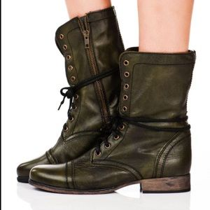 Steve Madden retro style Troopa moto boots